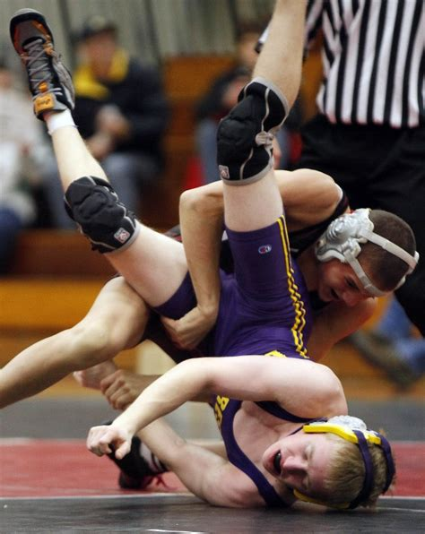 wisconsin wrestling sectionals photos deforest at wiaa sectionals high school