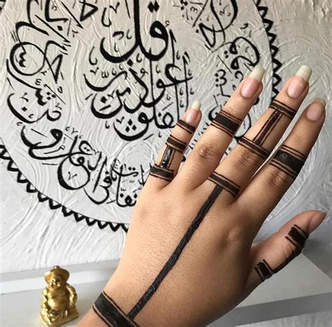25 trendy henna tattoo designs to try for your hands