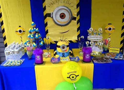 Minions Decoration by Minion Table Birthday Cakes