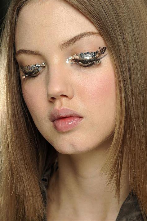 catwalk beauty runway beauty 3d silver eye makeup at chanel fall 2013