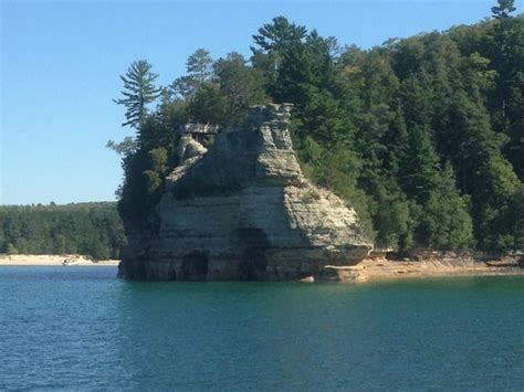 pictured rocks boat tours dogs painted rocks shoreline picture of pictured rocks