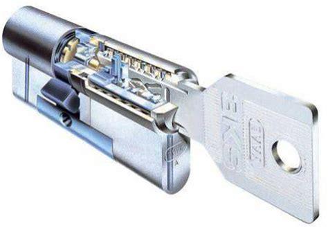 serratura per porta blindata serratura della porta blindata quale scegliere