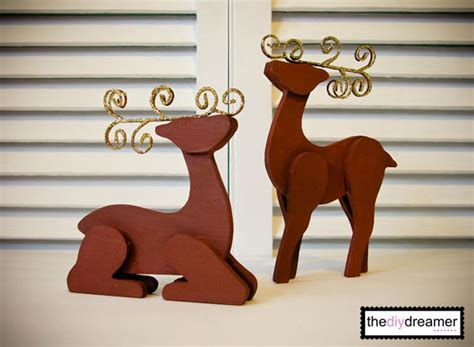 How To Make A Paper Deer - wooden glitter reindeer the d i y dreamer