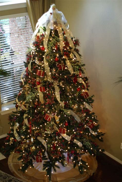 how to decorate a christmas tree like a pro winter