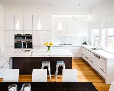 shiny white kitchen cabinets high gloss white cabinets houzz