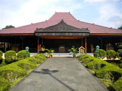 Rumah Kayu Dua Lantai Rumah Adat Jawa Rumah Joglo 10 desain rumah adat jawa timur joglo situbondo lihat co id
