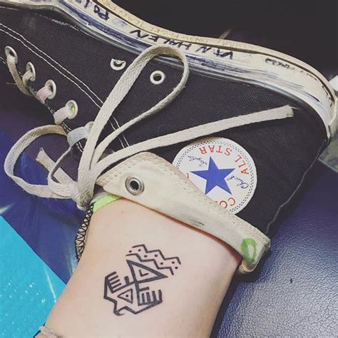 house of pain tattoo jackson ms paris jackson got a tattoo in support of the quot standing