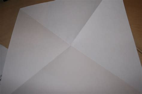 Wiki How To Make A Paper Airplane - file build a paper airplane step 1 jpg wikimedia commons