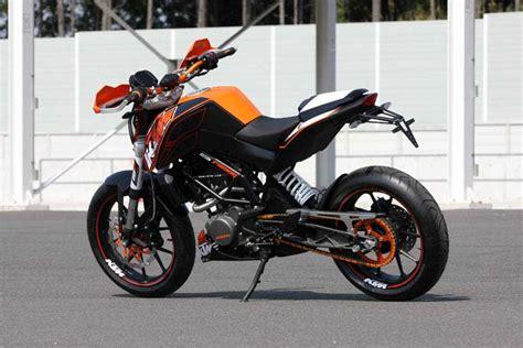 Ktm Duke 125 Powerparts 125 Duke Powerparts編パワーパーツで グッとスポーティーに Ktm Orange