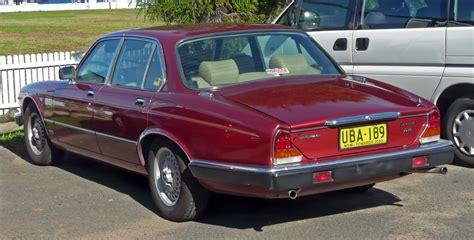 jaguar sovereign 1986 file 1983 1986 jaguar sovereign 4 2 sedan 01 jpg