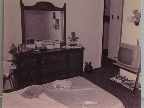 bedroom scene a note continues to haunt investigators 41 years after