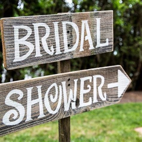 Wedding Aisle Timing by Who Gets Invited To Your Bridal Shower Brides