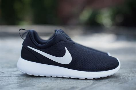 nike roshe run slip on black white hypebeast