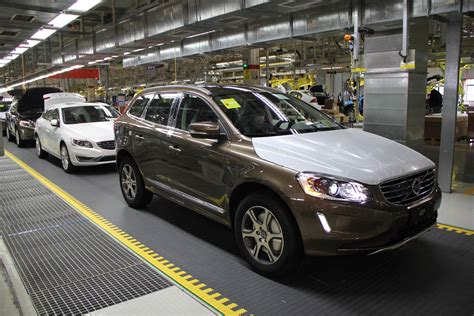 volvo cars 2016 sales scale new record 534 332 units up