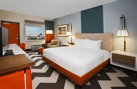 hotel rooms in galveston doubletree by debuts beachfront hotel on galveston island doubletree global media center