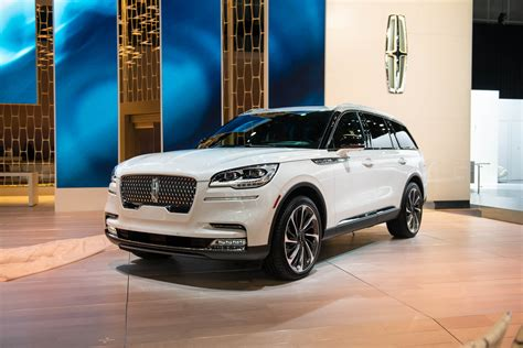 2020 Lincoln Aviator Vs Volvo Xc90 by 2020 Lincoln Aviator Ready To Make A In The Luxury Market