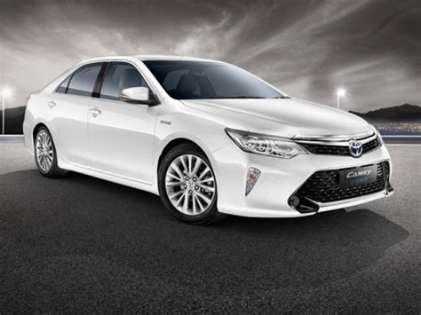 Toyota Camry Price In India Toyota Camry Hybrid S Vehicle Prices Slashed In India