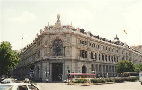 banco de españa el banco de espa 241 a revisa la fachada de su emblem 225 tico