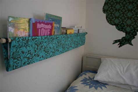 simple diy hanging book display kidsomania