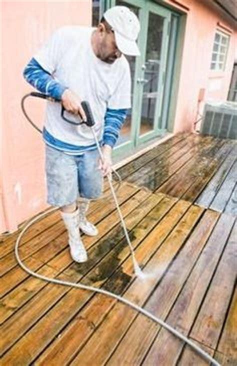 clean mold  mildew  wood decks decks
