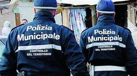 ritira permesso di soggiorno perugia polizia municipale espulso albanese e chiusi due