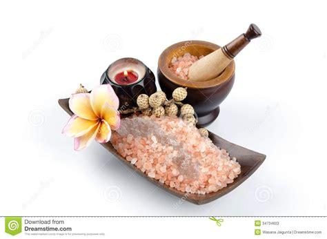 ollies himalayan salt l himalayan crystal rock salt stock photos image 34734603