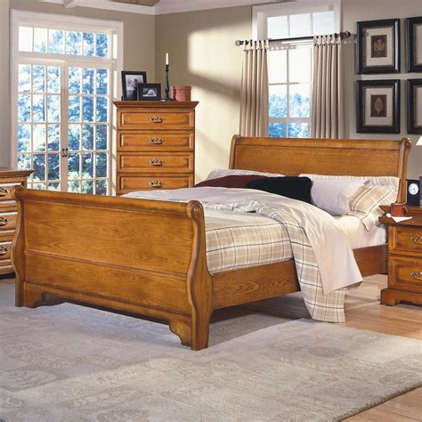 honey oak bedroom furniture new classic honey creek queen oak sleigh bed dunk