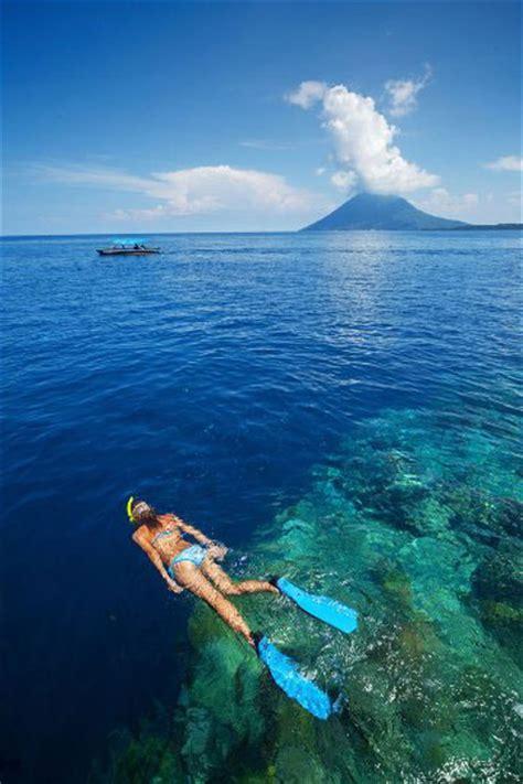 boat manado bunaken diving at bunaken island manado sulawesi dive the
