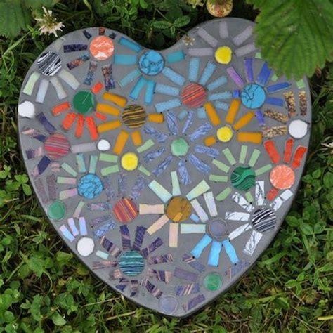 garten mosaik 10 garden mosaic projects the garden glove