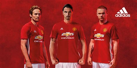 libro manchester united official 2017 manchester united et adidas d 233 voilent les maillots 2016 2017