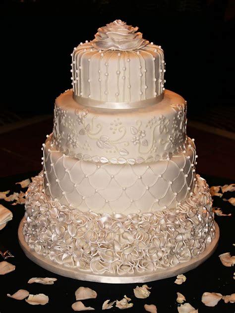 Wedding Cake Jb by Pin Ivory Wedding Cake Feather Adorned Vintage