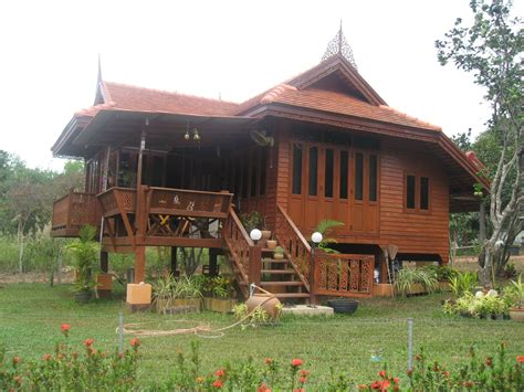 Building a Thai Teak Wood House   Page 5