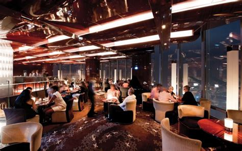 In Room Dining Manager In Dubai High Elevation Dining 12 Sky Scraping Restaurants Around