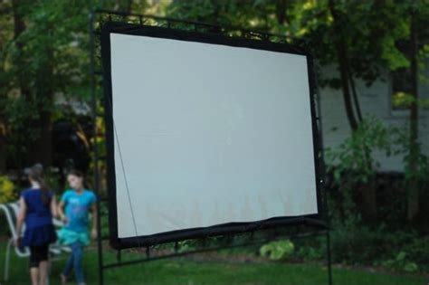Backyard Projection Screen by How To Throw The Ultimate Backyard