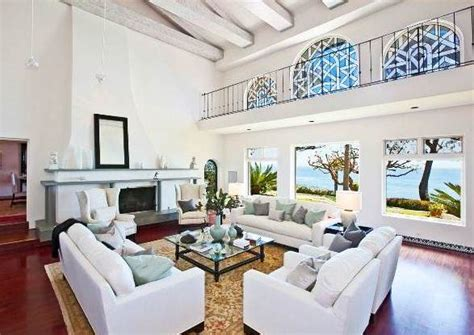 million dollar living rooms see this house a 45 million dollar malibu mediterranean