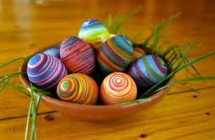 easter egg dye ideas rubberband dyed eggs do it and how