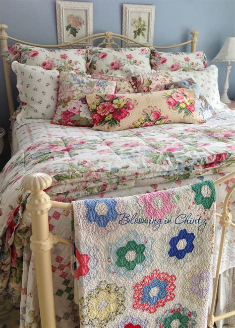 bedrooms with quilts blooming in chintz bedroom decorating