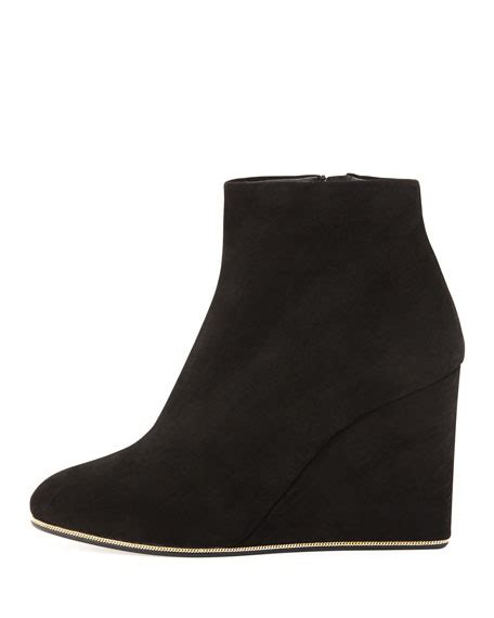 Sepatu Salvatore Ferragamo Wedges 298 2 salvatore ferragamo fiamma suede wedge bootie black