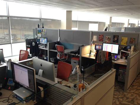 diy cubicle decor diy cubicle decor dress up your desk made remade