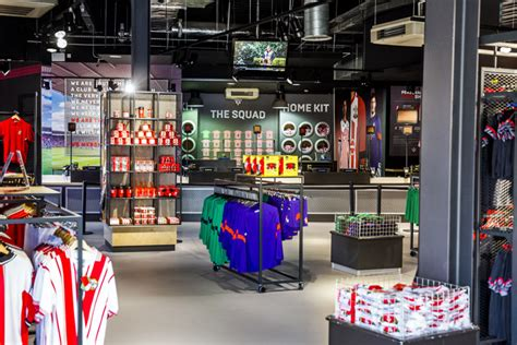 locker room sports store southton football club 187 retail design
