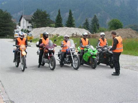 Motorrad Fahrlehrer Chur by Fahrschule Fahrlehrer Region Plessur Ch Fahrschulen Mit