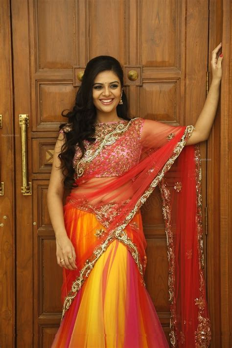 srimukhi hot beautiful actress srimukhi hot images in wallpapers