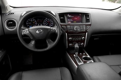 2014 Nissan Pathfinder Interior by Compare Outback With Pathfinder Autos Post