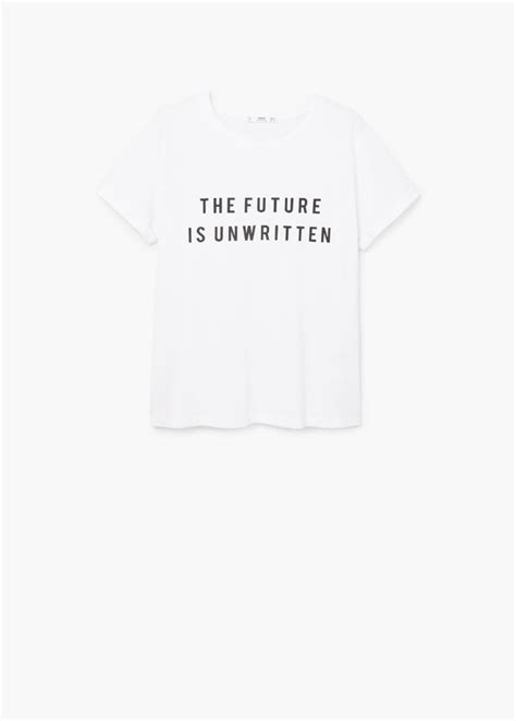 Les 10 t-shirts engagés à avoir dans son placard | Elle Québec