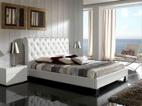 Superbe Chambre A Coucher Grise #3: lit-de-luxe-lit-double-pas-cher-lit-e-cuir-blanc-lit-double-pas-cher-avec-tete-de-lit-capitonn%C3%A9e.jpg
