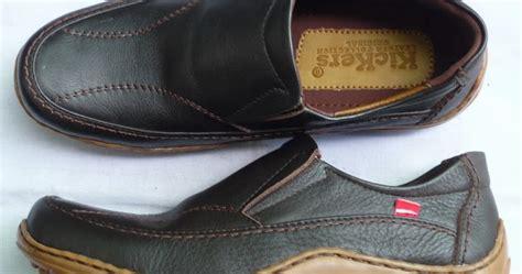 Sepatu Merk Kickers 48 sepatu terbuat dari kulit babi tetapi berlabel halal akhirnya ku tahu