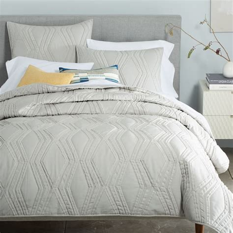 quilted coverlets and shams 9 best quilts for fall 2018 quilts shams and coverlets