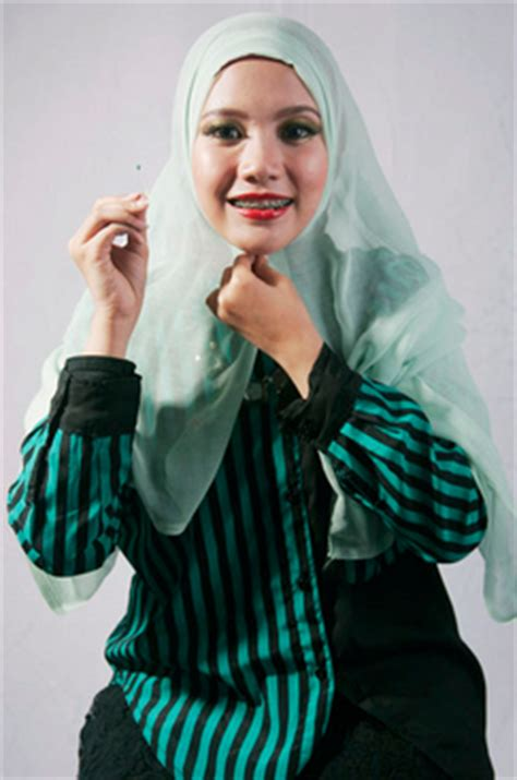 tutorial hijab paris dengan ciput ninja tutorial hijab segi empat paris dengan wave yang cantik