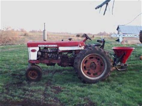 1959 Farmall 560 Antique Tractor