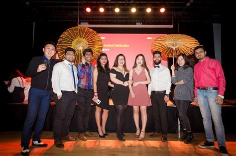Of Leicester Time Mba by Hundreds Join Celebrations For New Year